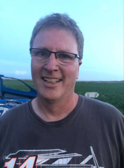 This Bobby Hansen makes a name for himself in Eastern Iowa racing
