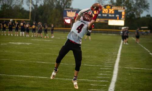 Iowa high school football podcast: Previewing the round of 32