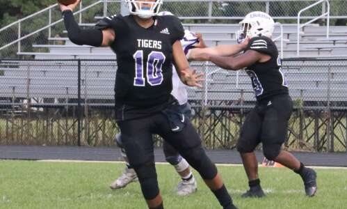 Record breaking day for Esquivel, Iowa Wesleyan football team