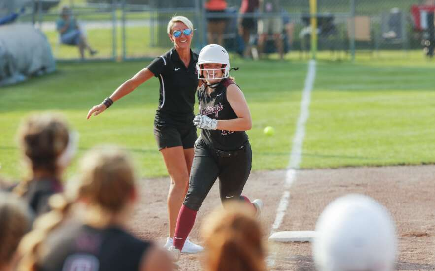 Mount Vernon heats up late, tops Williamsburg in 3A state softball semifinal