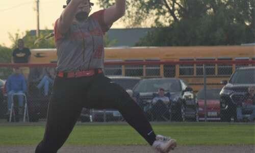 Fairfield drops in softball rankings, WMU in at 15