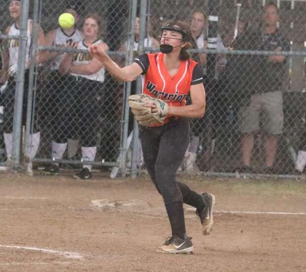 Van Buren County softball too much for New London