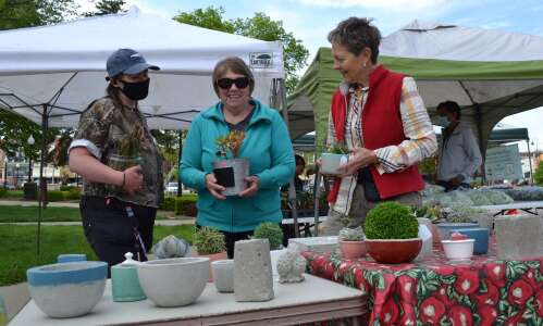 Vendors pleased with new farmers market location