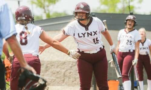 Neighbors Alburnett, North Linn battle for 2A state softball berth
