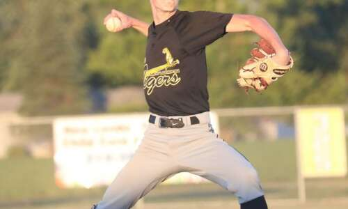 New London in baseball rankings at 10, Mid-Prairie down to…
