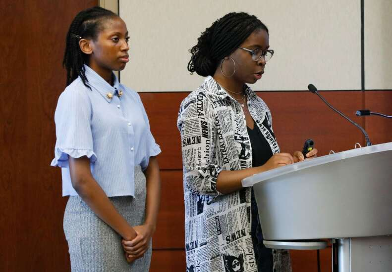 Cedar Rapids school district commits to changing school resource officer program
