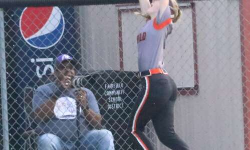 Fairfield softball aims for back-to-back state berths