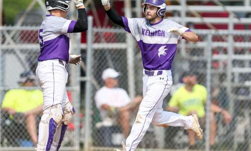 Lansing Kee knocks off No. 1-seed Remsen St. Mary's