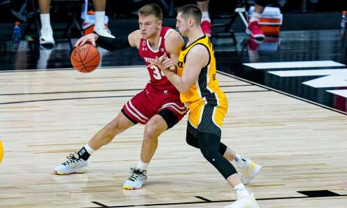 Capable shooting guards still on open market, Hawkeyes