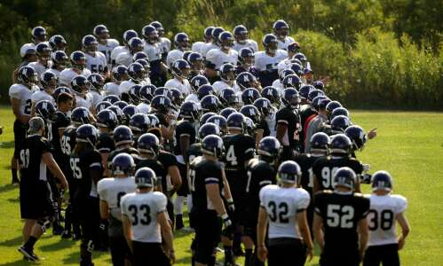 NLRB lawyer: College football players are employees