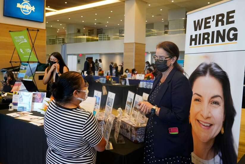 U.S. jobless claims reach pandemic low