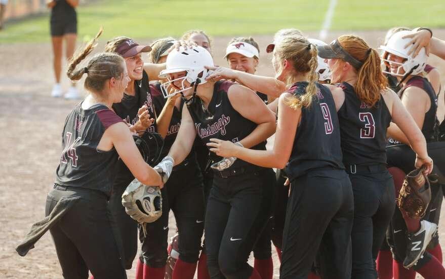 Photos: Mount Vernon vs. Williamsburg, Class 3A Iowa high school state softball semifinals