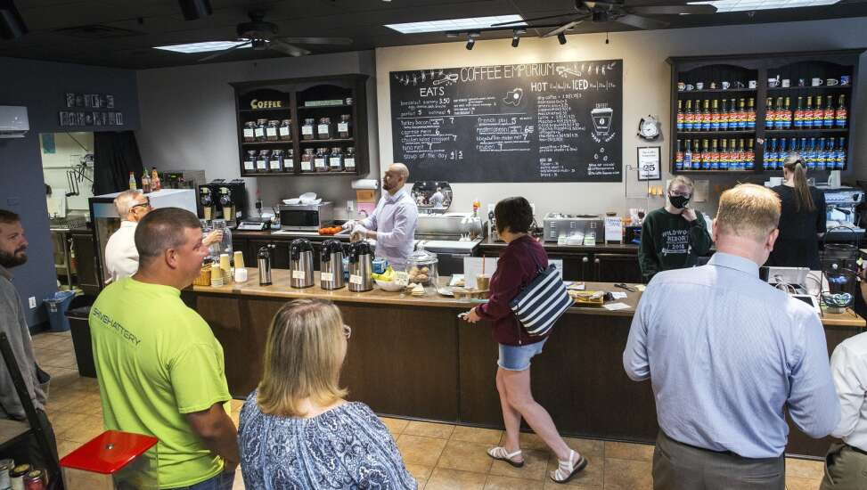 Can Iowa businesses use 401(k)s, other benefits as a recruitment lure?
