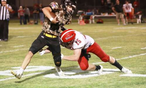 New London football drops 3rd-straight game
