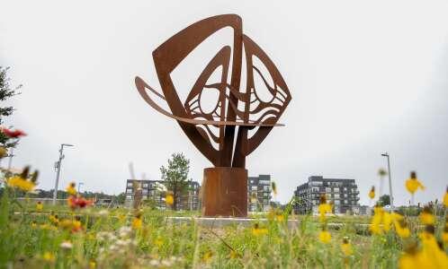 New sculpture showcase brings art to Iowa City parks