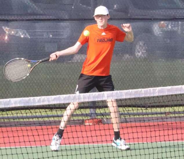 Mt. Pleasant boys tennis out-swings Fairfield