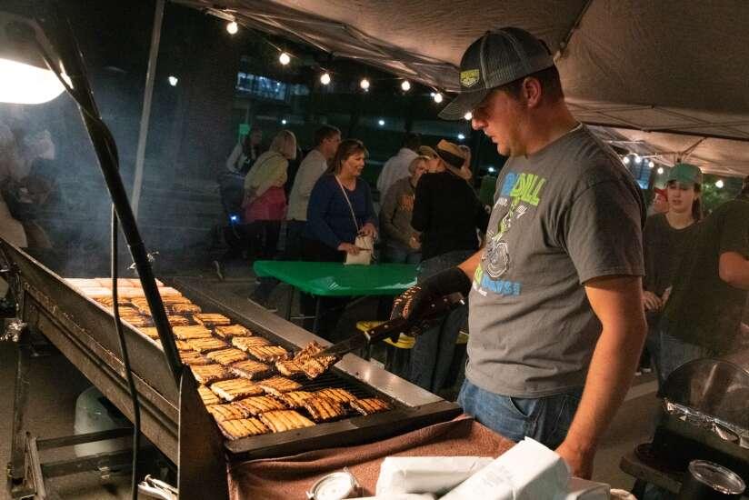 Market After Dark again draws crowd to downtown Cedar Rapids