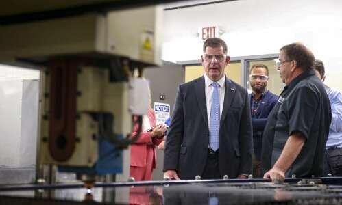 Secretary of Labor praises Iowa's higher ed opportunities, touts plans…