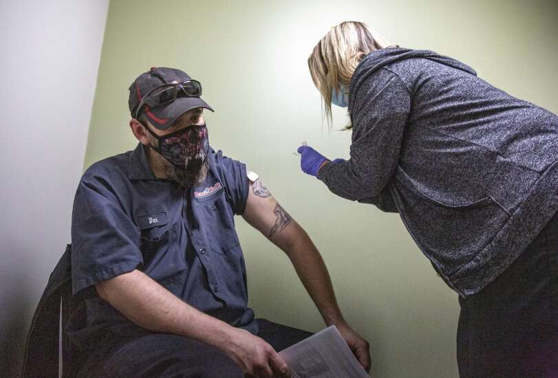 Federal program brings four times as many one-dose COVID-19 vaccines to Cedar Rapids clinic