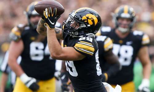 Iowa finally finds end zone late, outlasts Penn State