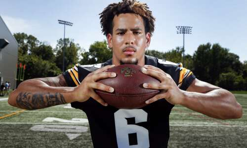 New Iowa football receivers complement the veterans
