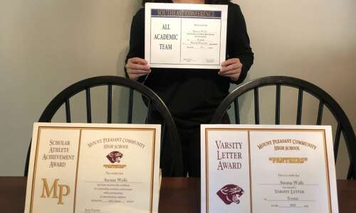 Mt. Pleasant girls tennis hands out awards