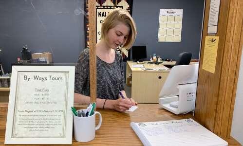 Handful of Iowa towns rise above rural decline