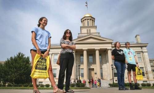 Fewer filing for higher ed aid in Iowa, revealing inequities