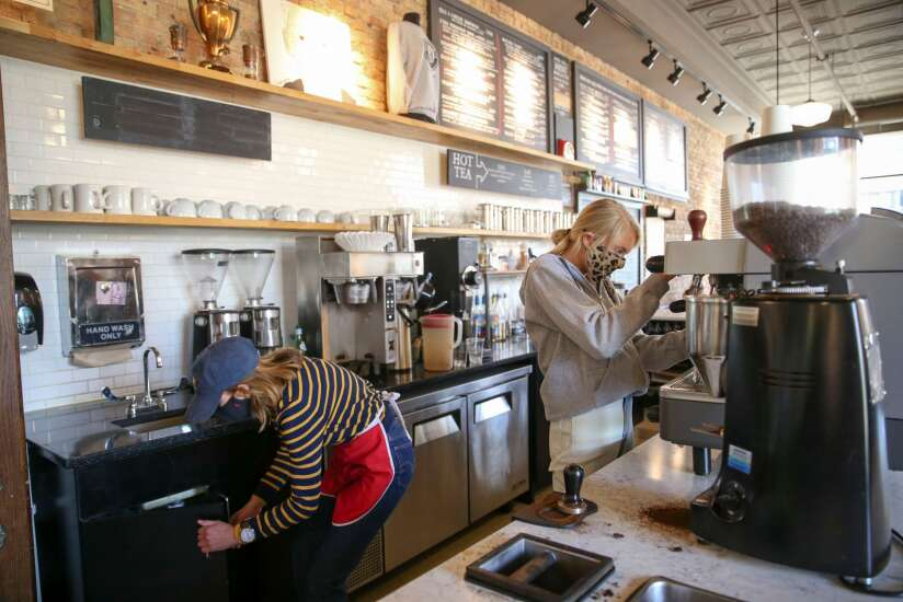 Diners are returning, but restaurant staffers aren't