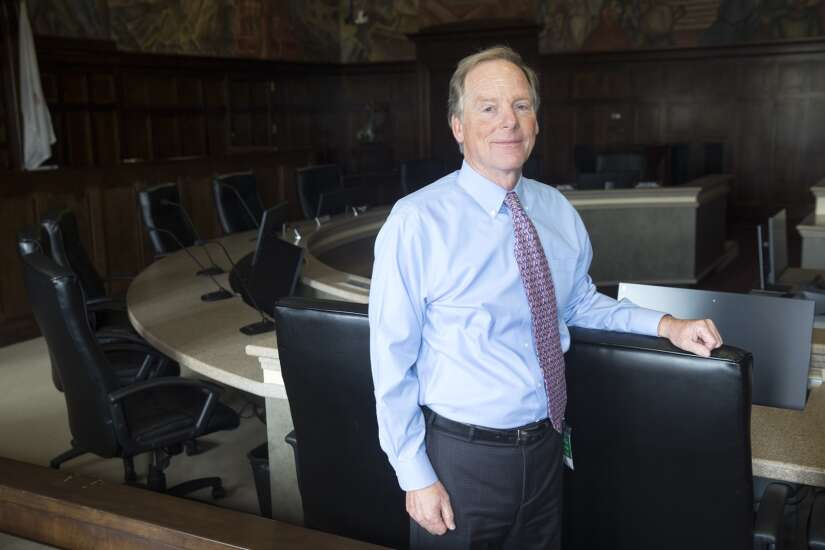 Cedar Rapids' longtime city attorney Jim Flitz, an 'unparalleled' legal mind, to retire