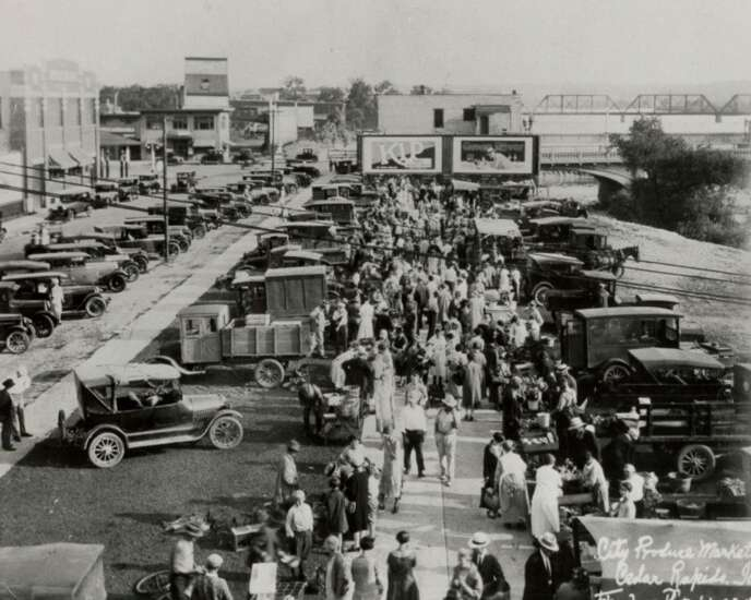 A Piece of History: Thousands flocked to Cedar Rapids produce market in 1927