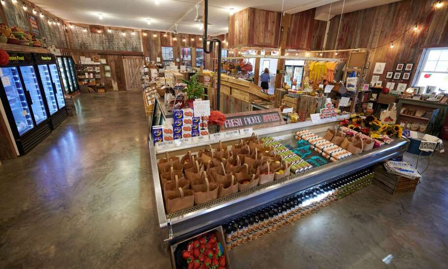 At Wilson's Orchard, take a walk, eat an apple — or a three-course meal