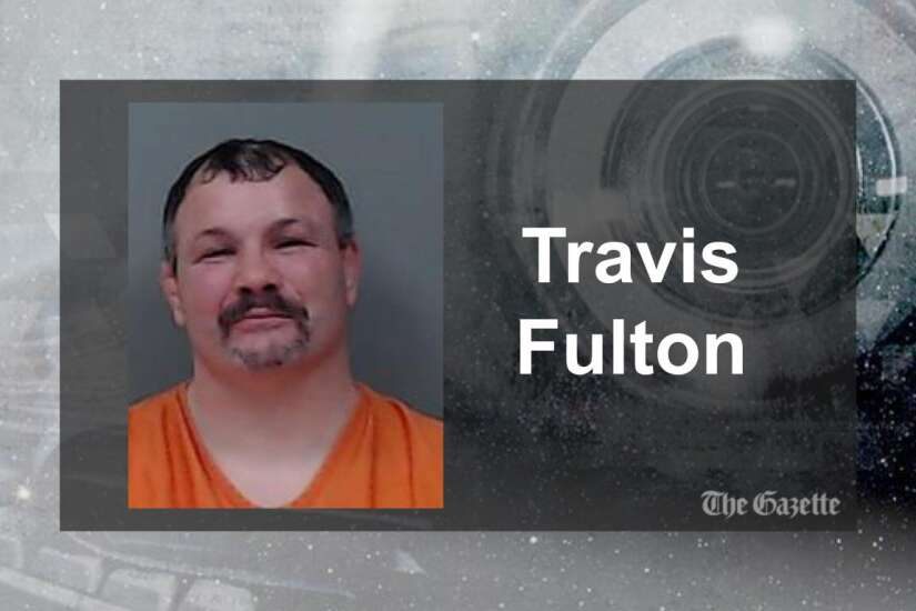 MMA fighter facing child porn charges kills self in Linn County Jail