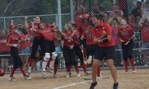 Ferrell home run sends Cardinal through