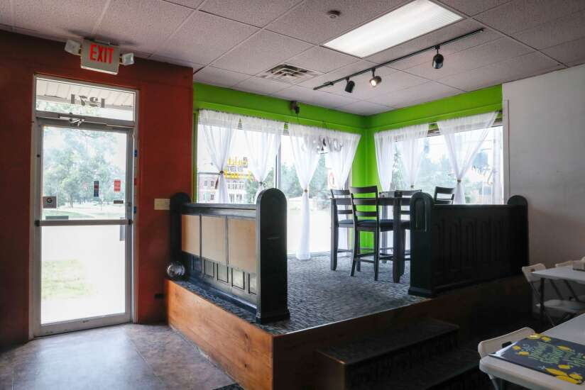 Tee introduces Liberian dishes to Cedar Rapids