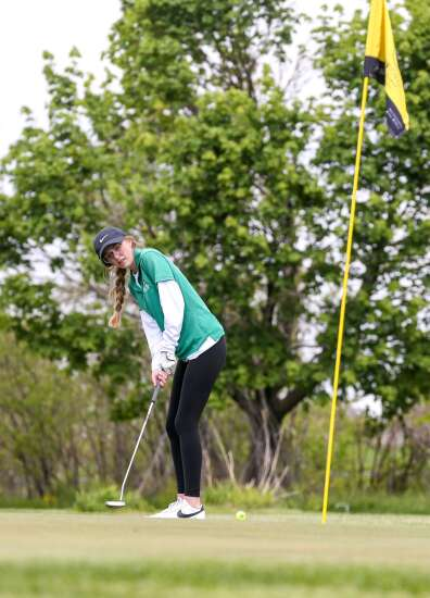 Leigha Pacha leads Iowa City West to runner-up MVC divisional golf finish