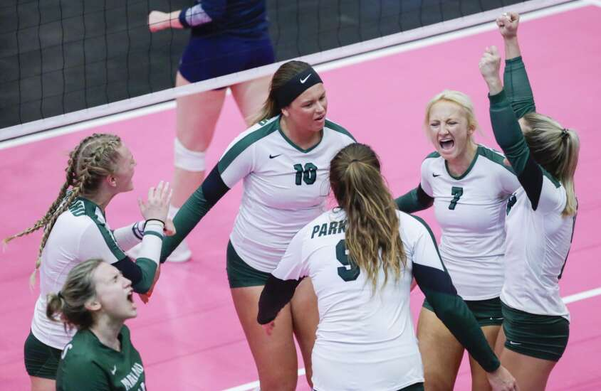 Photos: Parkland vs. Iowa Central, NJCAA Division II volleyball semifinals
