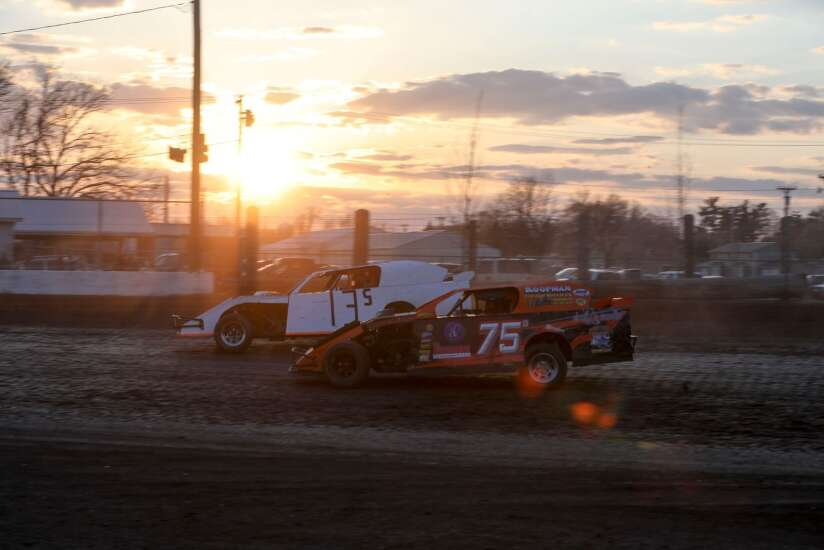 Shellsburg's Dale Kite hoping to mix work with love of racing